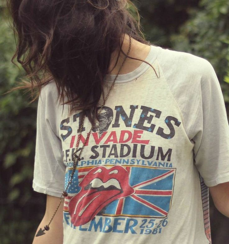 babes in vintage tees- harley davidson concert t shirts - style