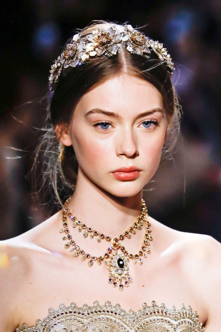 runwayandbeauty:   Lauren de Graaf - Marchesa Fall...