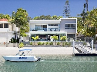 25 Mossman Court, Noosa Sound Vacation Rental in Noosa Heads from @homeawayau #vacation #rental #travel #homeaway http://www.homeaway.com.au/holiday-rental/p405252769