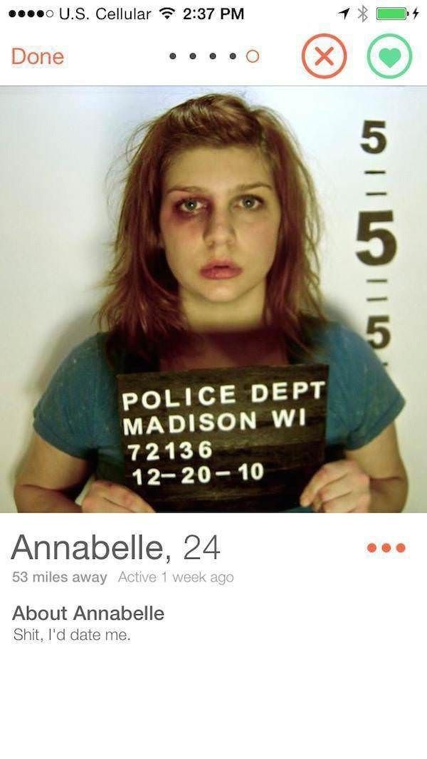 They Went The Extra Mile For The Swipe Funny Amazing Jokes Tinder Weird Wild Funny Tinder Profiles Funny Dating Memes Tinder Humor