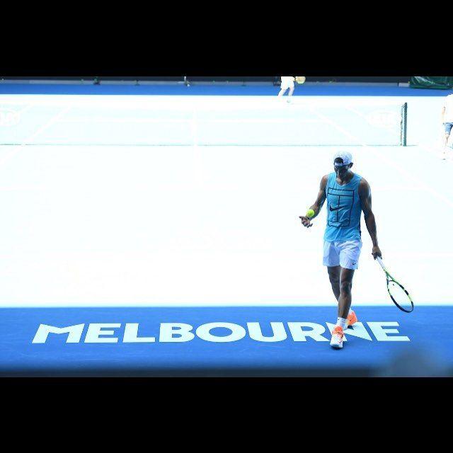 Roger or Rafa? #realrivalry #kings  Photo/Foto: Unknown/Desconocido  #rafaelnadal #rafanadal #rafa #nadal #rogerfederer #roger #federer #theking #thekingofclay #miamiopen #atp #tennis #miamiopen2017