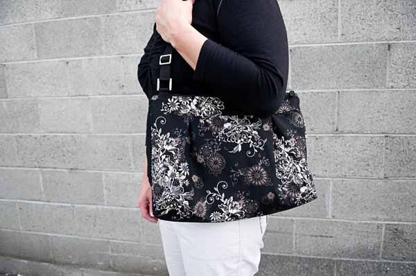 Black Beauty Moxie--I have this one! I love it!Totes Purses, Bags