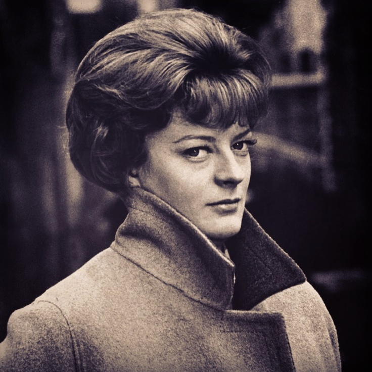 Young Maggie Smith - brilliant & one of my faves