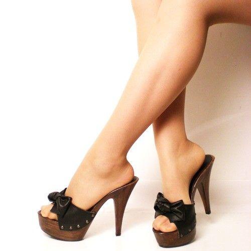 Zoccoli Alti Scarpe Donna con Nodo in Pelle Nera - KikkiLine Calzature