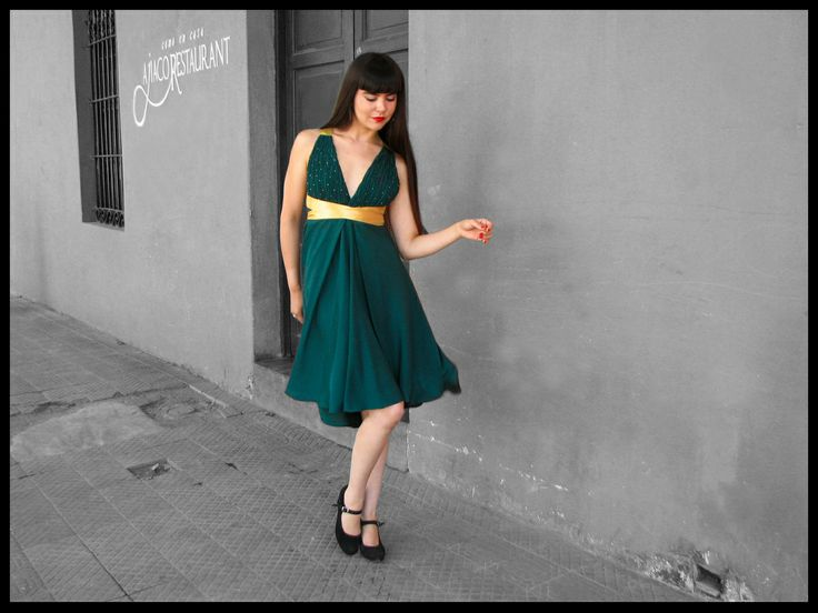 Vestido adaptable textura shibori más mostacillas en top.