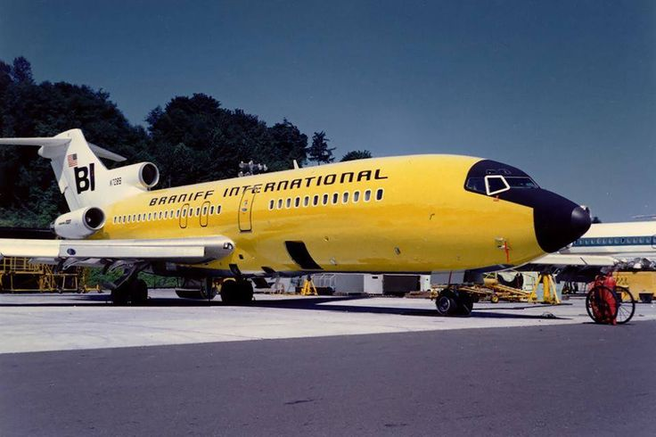 Braniff International Boeing 727-27 N7289 on the pre-delivery line at Renton-Municipal, July 1967. (Photo: Boeing, Copyright: Braniff Flying Colors Collection)