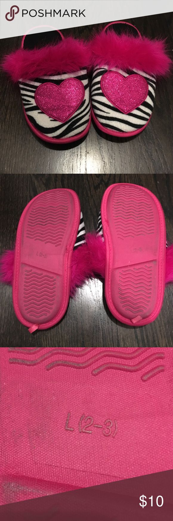 Pink Zebra Glitter Heart Slippers Sz L (2/3) Pink Zebra and Sparkle Heart Slippers Size L (2/3) Girls Xhilaration Shoes Slippers