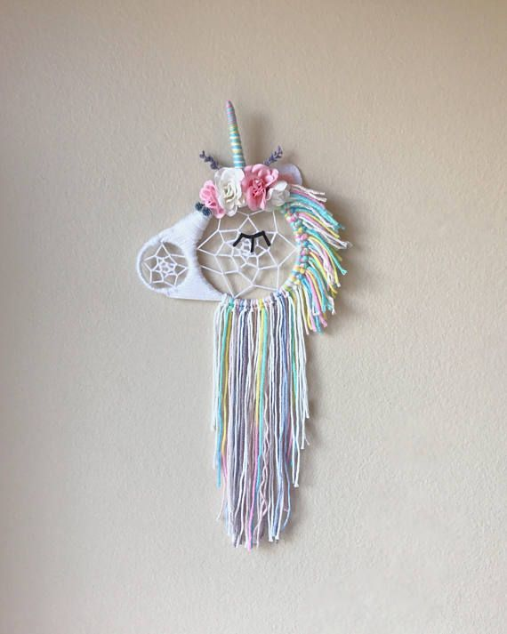 Unicorn floral Dream Catcher ✨ #craftgoals @tessmcx