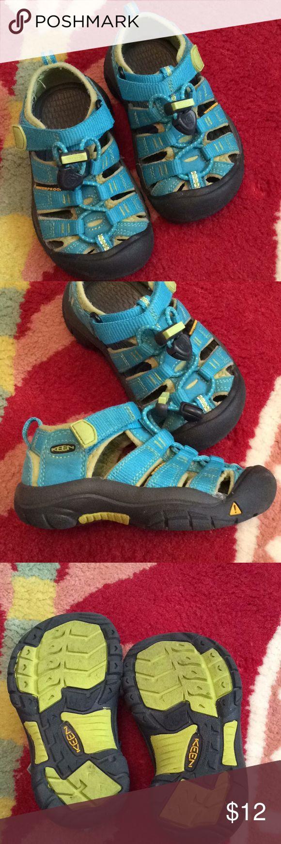Keen Toddler Boy Girl Water Shoe Sandal Sz 8 Great pair of Keen water shoes. Size 8, Toddler. Keen Shoes Sandals & Flip Flops