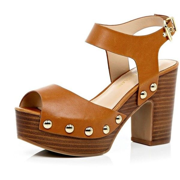 River Island Light brown block heel clog sandals (€98) ❤ liked on Polyvore featuring shoes, sandals, heels, brown, platforms, shoes / boots, women, brown platform sandals, brown heeled sandals and wooden clogs
