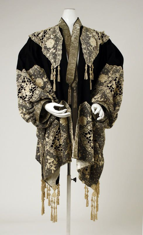 House of Worth coat. Ca.1905