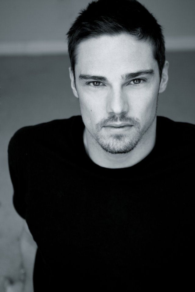 Jay Ryan The Beast from CW's Beauty and the Beast!!