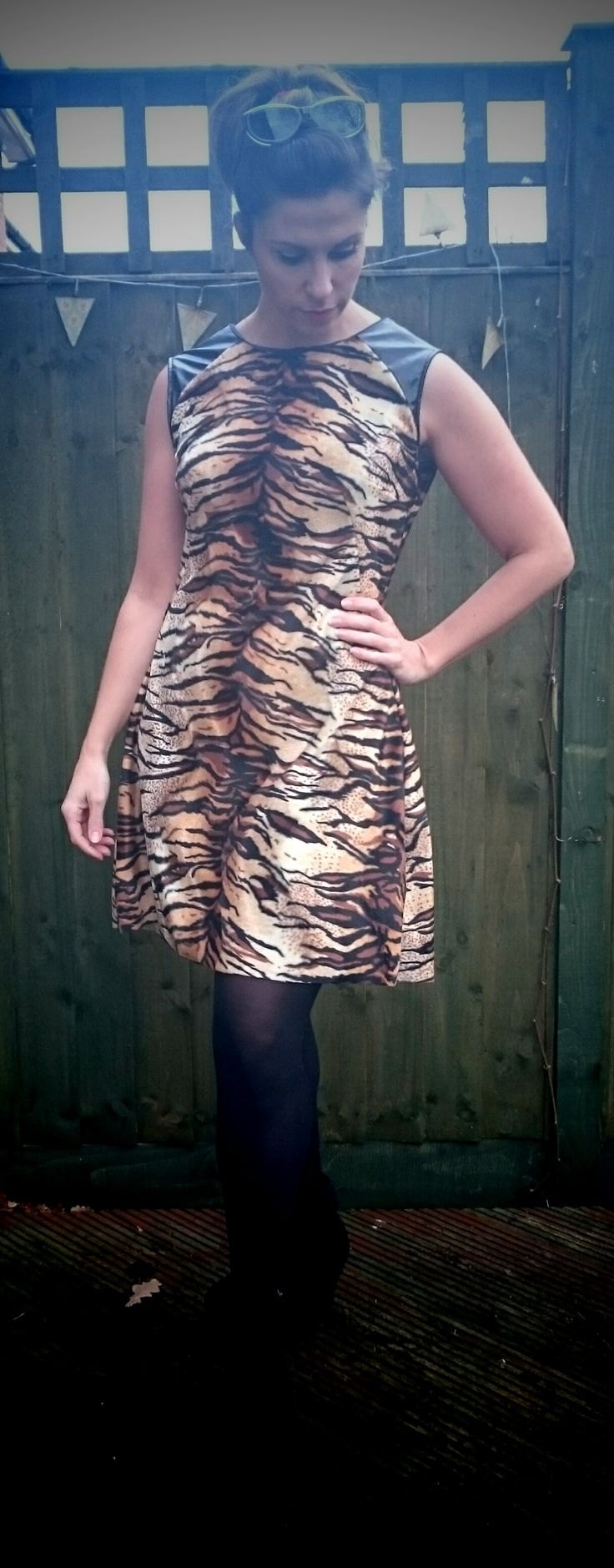 Tilly and The Buttons Francoise dress, worn with black opaque tights & boots... #SewingFrancoise