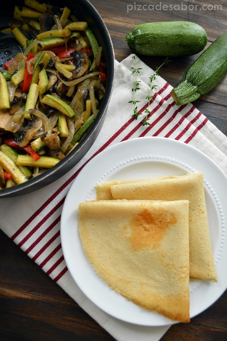 Crepas de avena sin gluten con vegetales salteados www.pizcadesabor.com