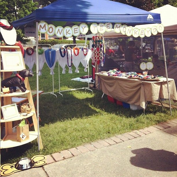 MonkeyTeeMonkeyDou0027s first Craft Show booth! & 75 best Craft Fair Booth display ideas images on Pinterest ...