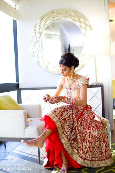 Getting Ready http://maharaniweddings.com/gallery/photo/30002