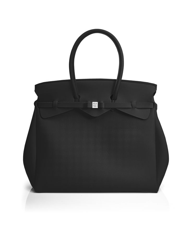 The Miss Weekender is your go-to bag for the perfect weekend away! This versatile tote transitions to a gym, beach or baby bag and is perfect for the jet-set who want to travel in style.  Size  440 x 400 x 200 mm  614g  Made in Italy  Vegan Friendly  Made from Poly-Lycra Fabric   Metallic Black