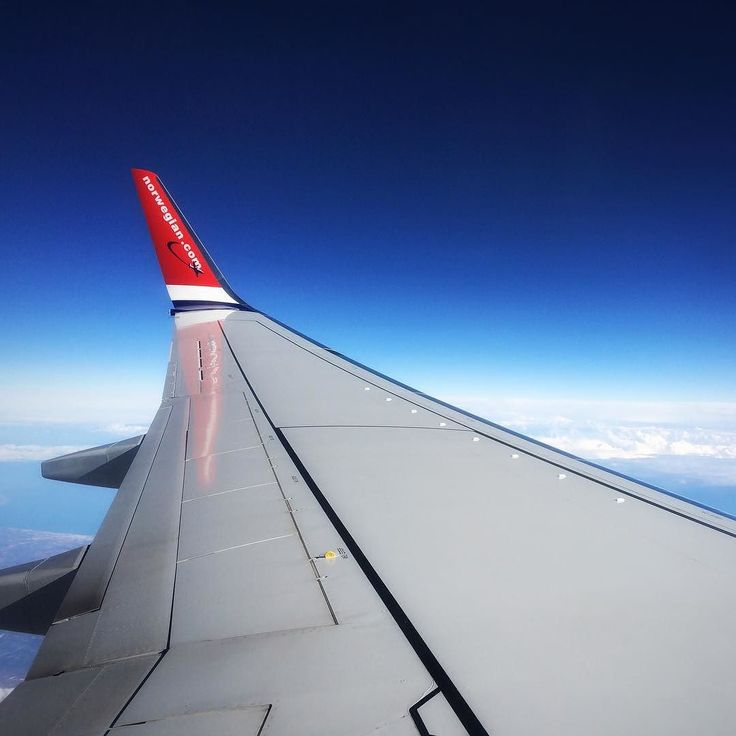 ...and so I left the country. Spain next  On the airplane I have been writing on a blog post. How to find work freedom.  Traveling... I wish...  #spaceview #airplane #norwegian #blogger #travelblogger #jepcda
