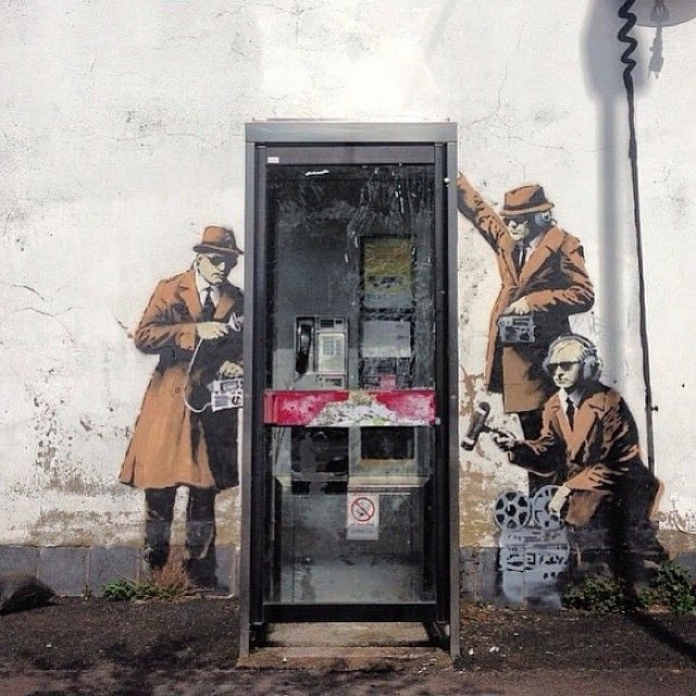 This morning Banksy painted a new piece depicting on the NSA privacy affair #streetart