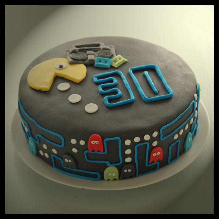 Pacman cake 80s theme