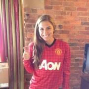 Twitpic : La joueuse américaine de soccer Alex Morgan exhibe un maillot de Manchester United