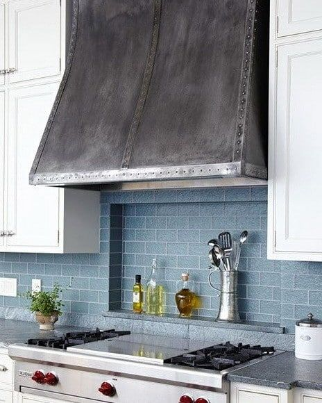 30 Awesome Kitchen Backsplash Ideas For Your Home 2017: Best 25+ Kitchen Vent Hood Ideas On Pinterest