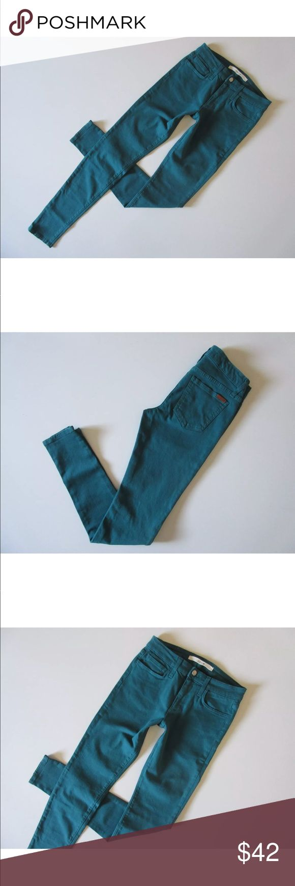 """Joe's Jeans The Skinny in Spruce Green Designer: Joe's Jeans Size: 26 Fit: Please do not go by size number check measurements listed below to determine if the item will fit. Material: 93% cotton, 6% pes, 1% lycra A colorful wash defines soft, stretchy jeans styled with lean, skinny legs that can be cuffed for a more casual style. Zip fly with button closure. Five-pocket style. Dry clean or machine wash. By Joe's; made in the USA.  Condition: Excellent Waist - 27"""" Rise - 8 ½"""" Hips - 31"""" Thigh…"""