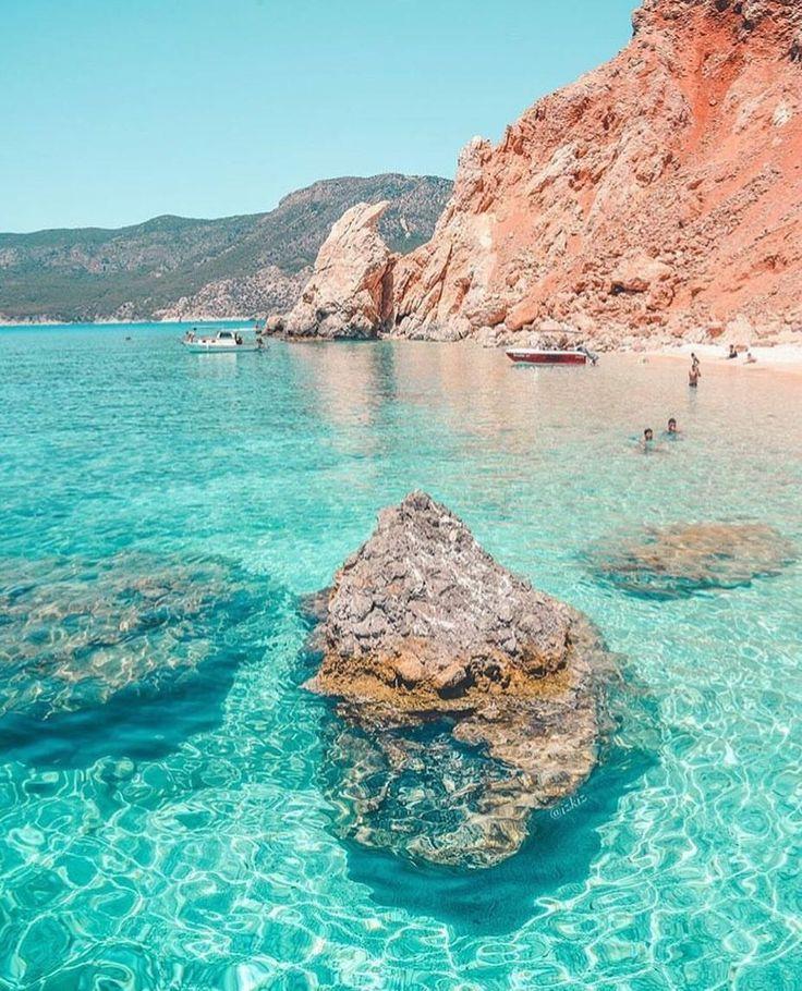 Benim cennetim Adrasan'ım... Peki sizce burası Adrasan'ın ne tarafında kalıyor bilin bakalım? ☺ Şimdi bu fotoğrafı görünce tatil planları yapası geliyor insanın. - www.kucukoteller.com.tr/adrasan-otelleri.html Öyleyse 3 önerimiz gelsin: @adrasan_clubsunvillage @adrasan_sinemis_hotel @papirushotel @izkiz #adrasan #antalya