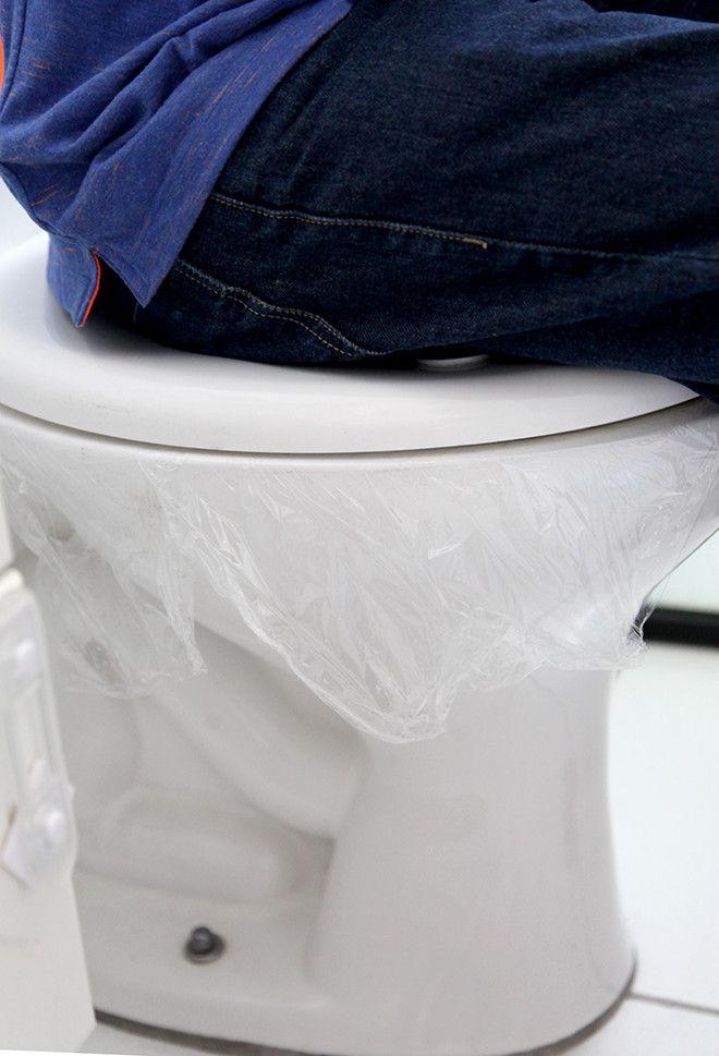 Como desentupir vasos sanitários sem produtos químicos e sem nenhuma sujeira.