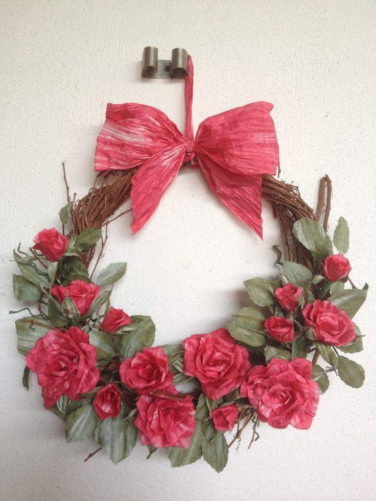 Wreath red roses