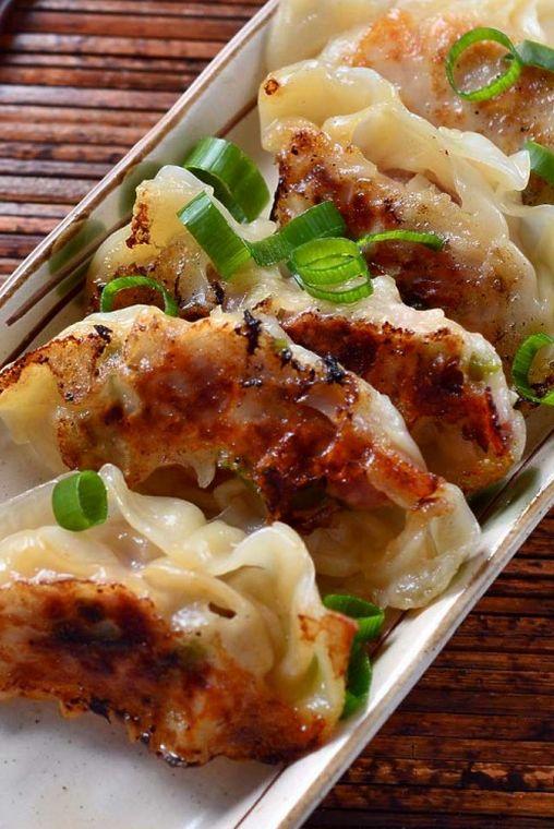 Spicy Sesame Chicken Potstickers #potstickers #foodporn #dan330 http://livedan330.com/2015/04/07/spicy-sesame-chicken-potstickers/