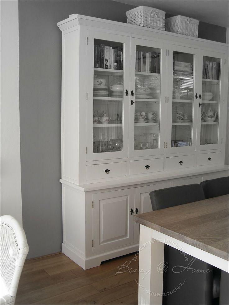 17 beste idee n over servieskast decoratie op pinterest servieskast makeover beschilderd - Hoe kleed je een witte muur ...