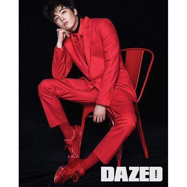 dazedkorea's photo: Dazed December Issue✔️ LEE HONG GI 데뷔 9년만에 첫 솔로 앨범으로 돌아온, 이홍기.  Editor Seok Bin Seo @sbin919 Photography Yeong Jun Kim @photokyj80 Fashion Jino Jun @junjino. . Hair Seong Ho Yoon @y.sungho Makeup Ji Hyun Kim @makeupjinny Model Hong Gi Lee @skullhong12  더 많은 화보는 <데이즈드> 12월호와 kr.dazeddigital.co.kr 에서 확인할 수 있습니다.