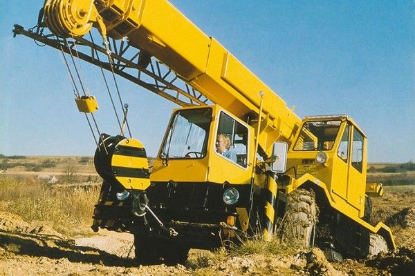 1000+ images about Trucks, Cranes, Heavy Haulage and other big machines on Pinterest   Tow truck ...
