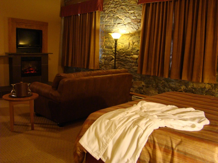 Signature King room in Beck's Cove