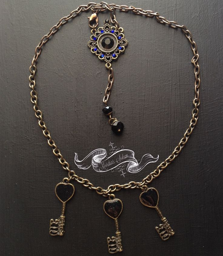 Gothic jewelry, key necklace from Mordias Solum