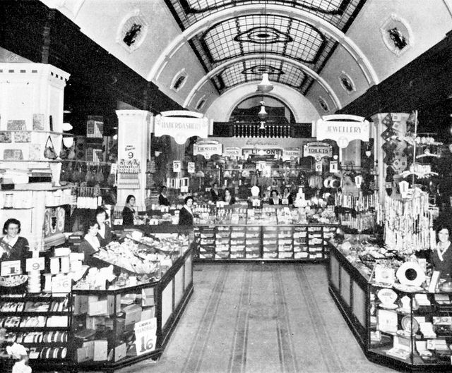 Woolworths Plein street 1940's. | Flickr - Photo Sharing!