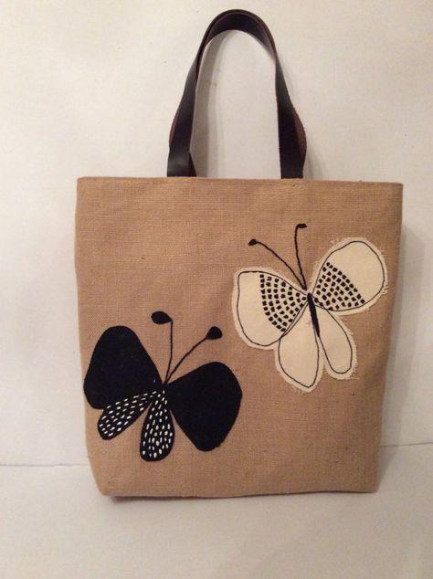Les papillons volent librement Black white butterflies summer tote bagappliqué …