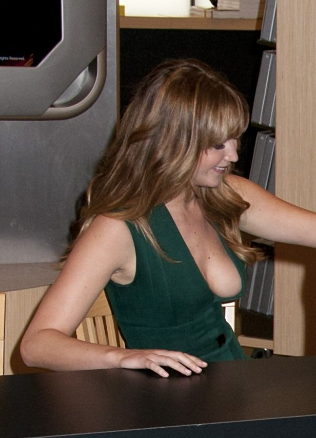 Most massive cleavage photos of Jennifer Lawrence you didn't know about 1 - paparazzi caught her coming out of the sea in blue bikini 2 - scene from House at the End of the Street 3 - signing event at...