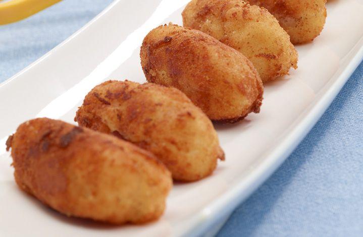 ¿Qué tal estas ricas croquetas de jamón y espinaca para acompañar tu almuerzo?  #Crema de Leche #NESTLÉ
