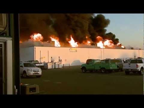Future Ford of Fresno Fire Raw Video (FULL) - YouTube