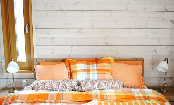 Bloom Paneelivaha Poutapilvi on ekologinen tuote - ympäristötietoisen kuluttajan valinta, kun halutaan käsitellä mm. hirret, paneelit, katot, seinät! Kuva Asuntomessuilta 2015. http://colornova.fi/