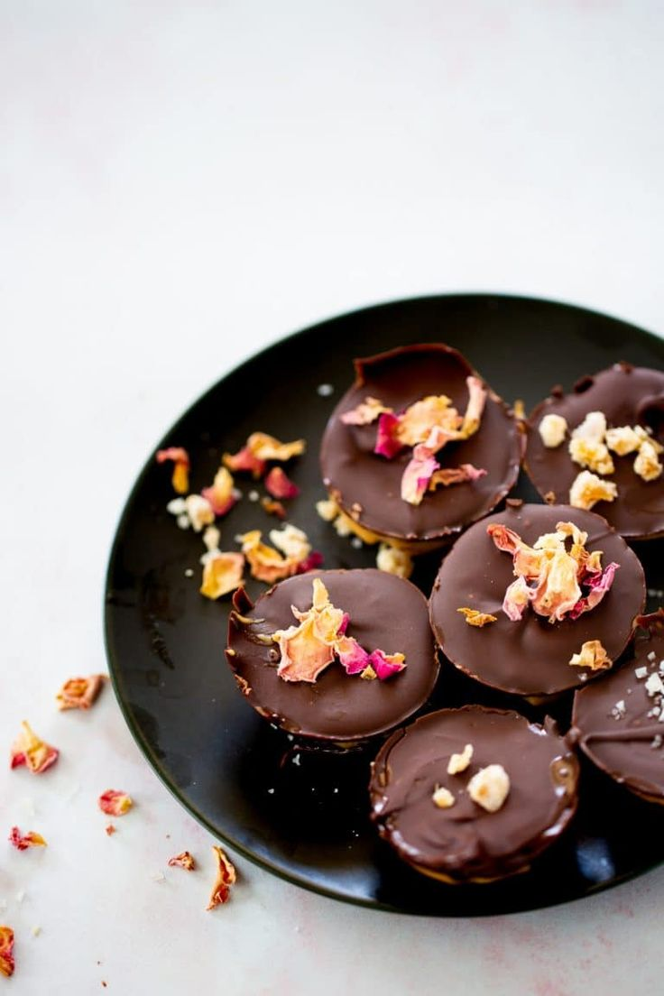 Chocolates, Chocolate Puro, Yummy Snacks, Cooking Time, Panna Cotta, Food And Drink, Pudding, Ethnic Recipes, Desserts