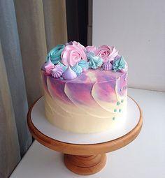 Pink + Purple Cake with Meringue Detail