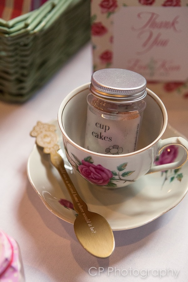 Cups and saucers can be used as props to decorate your vintage tables.  Add candy jars and trivia spoons, your guest will love this cute touches!  From www.fuschiadesigns.co.uk.
