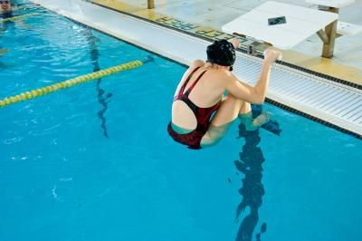 Competitive Swimming & Swim Workouts | LIVESTRONG.COM