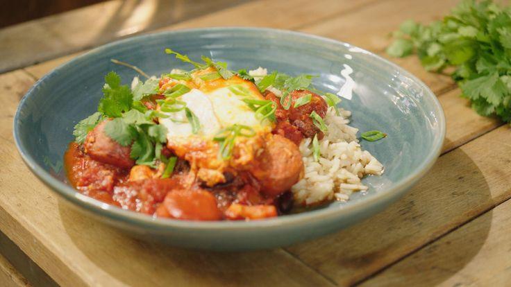 Chili con carne met chorizo en gepocheerde eieren | Dagelijkse kost