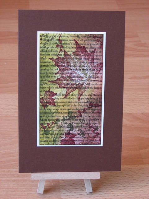 By franziska at flickr. Stamp & sponge on an old book page.