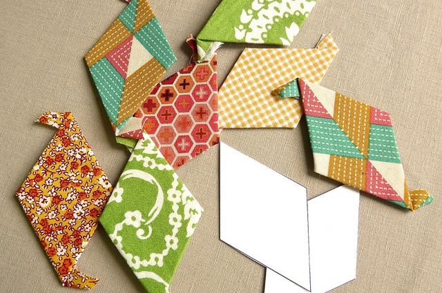 How to Make an English Paper Pieced Instavase via @CraftyPod #howto #craft