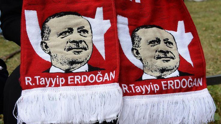 """Freie Fahrt für """"Erdogan-Statthalter?"""": Özdemir warnt vor """"türkischer Pegida"""""""